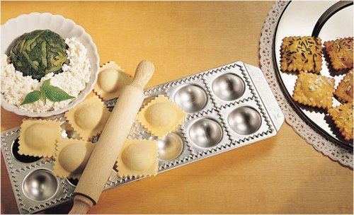 Imperia Pasta Mold-makes 12 ravioli by Imperia