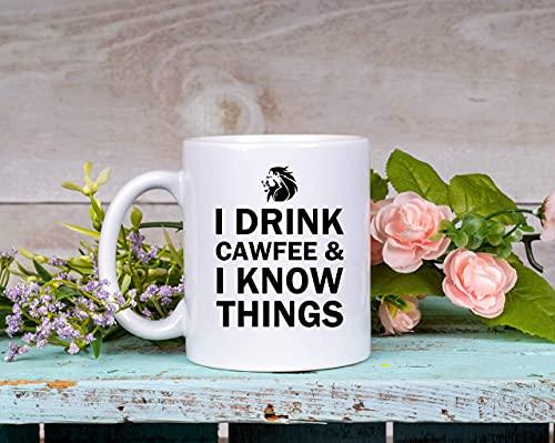 Bebo y sé cosas Taza Taza de café divertida Cawfee Lover New York Accent Gift For Him Her
