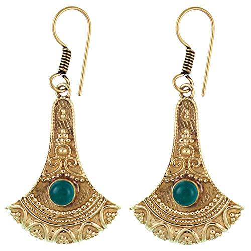 CHICNET Ohrringe Axt Punkte verziert Onyx grün Messing antik golden nickelfrei Ohrhänger Tribal Brass