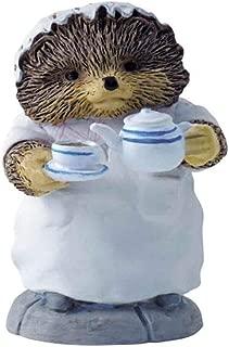 Beatrix Potter Miniature Figurine - Mrs Tiggy-winkle Pouring Tea (A2351)