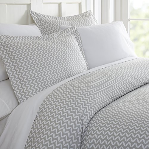 ienjoy Home Duvet Cover Set Puffed Chevron Patterned, King, Light Gray
