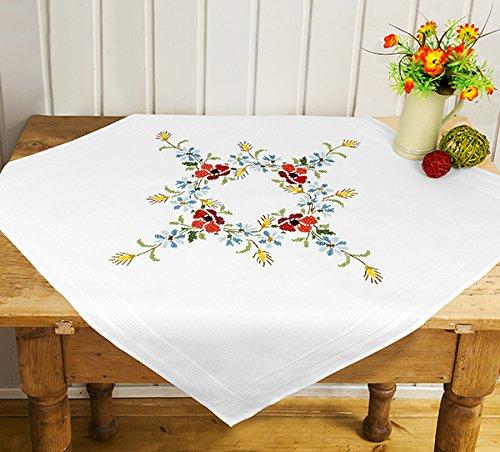 Kamaca Stickpackung BLÜTENTEPPICH mit MOHN - und Korn - Blumen Kreuzstich vorgezeichnet aus 100% Baumwolle Mitteldecke 80 x 80 Stickset mit Stickvorlage