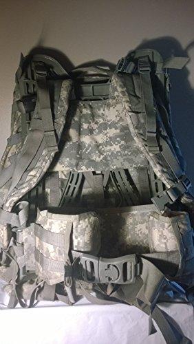 MOLLE II Rucksack ACU mit Schultergurten, Gürtel und Rahmen