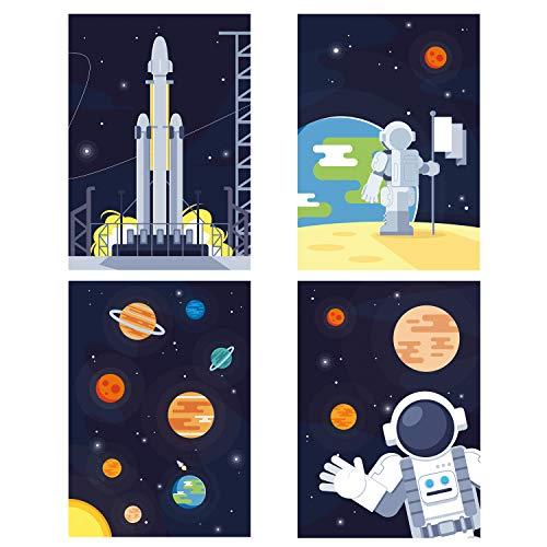 ChicResult Wandbilder 4er Set Astronaut - Weltraum Deko Poster für Jungs Kinderzimmer - Kinderbilder, Rakete, Planeten, Weltall (DIN A4 ohne Bilderrahmen)