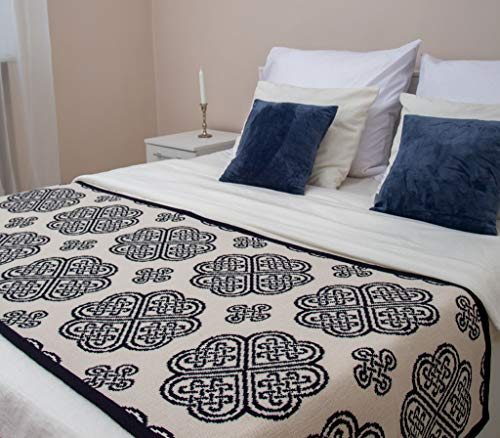 SAOL Bed Scarf Runner with Celtic Knots (Navy, Quenn Bed)