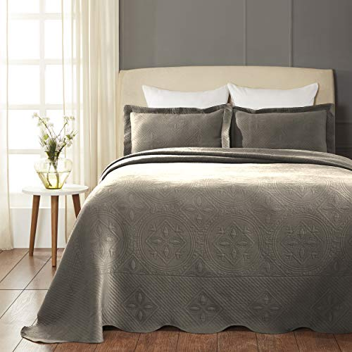 SUPERIOR Celtic Circles Scalloped Bedspread with Matching Pillow Shams, Queen, Charcoal