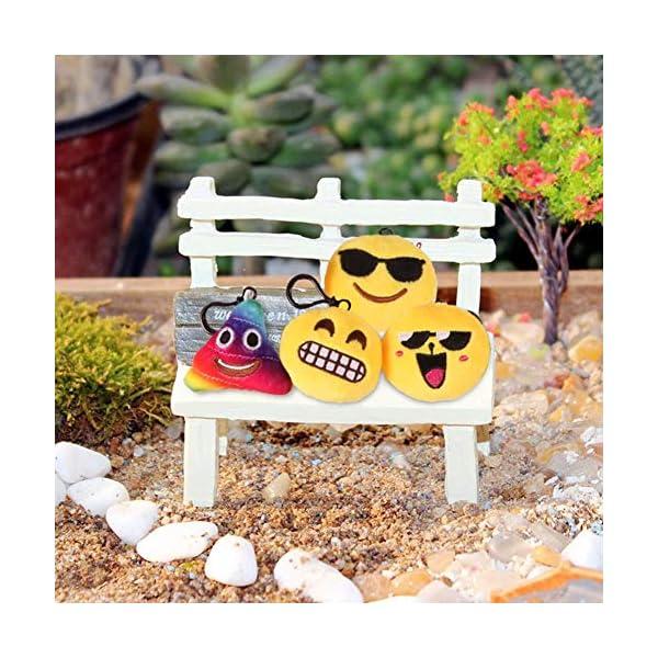 51YfKLqzfqL. SS600  - Ventdest Mini Emoji Llavero, 35 PCS Emoticon Llavero Emoji Encantadora Almohada para la decoración de Bolsos Mochilas y Llaves Regalitos para niños cumpleaños Colgante de decoración para Coche