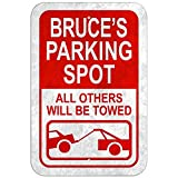 S-RONG雑貨屋 Parking Spot All Others Will Be Towed Male Name - Bruce 看板レトロ デザイン壁の装飾贈り物 壁飾り絵30x40cm