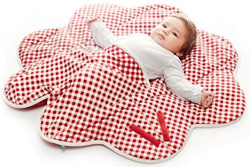 Wallaboo Einschlagdecke Fleur für Babyschale, Autokinderstitz, für Kinderwagen, Suße Blumenform, 0 - 12 Monaten, Farbe: Rot Vichy