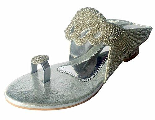 Step n Style Womens Diamante indiano festa di nozze sandali scarpe Juttis Khussa scarpe, Argento (Argento), 38 EU