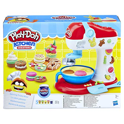 Los jóvenes cocineros podrán dar rienda suelta a su creatividad con su propia batidora La batidora se pondrá a dar vueltas para crear galletas Play-Doh y un montón de divertidos cupcakes Incluye 2 cuños para un sinfín de posibilidades imaginativas De...