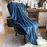 Kuscheldecke Fleecedecke Flanell Decke Pompoms Einfarbig Wohndecken Couchdecke Flauschig Überwurf Mikrofaser Tagesdecke Sofadecke Blanket Für Bett Sofa Schlafzimmer Büro (Ägäisches Blau, 130*160cm