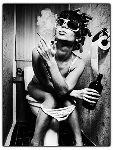 wandmotiv24 Leinwand-Bild Starke Frauen, Größe 80x60cm, Hochformat, Wand-Bilder, Dekoration Wohnzimmer modern, rauchende Frau 2, Bad, Model, Hausfrau, Schwarz & Weiß, Sonne, Sonnenbrille M0147
