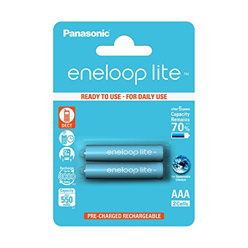 Panasonic eneloop lite AAA Ready-to-Use Micro NI-MH Akku BK-4LCCE/2BE (550 mAh, 2er Pack) -