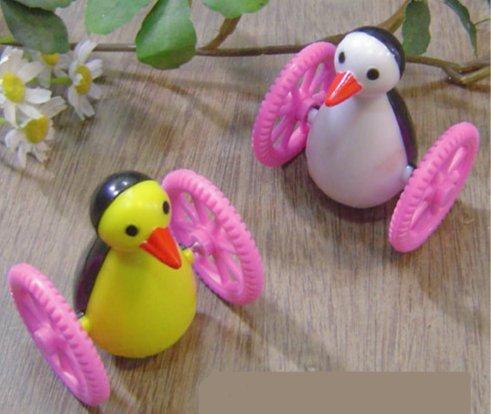 みずよし貿易 ゴーゴーペンギン カラーおまかせ1個 鳥 鳥用おもちゃ ストレス防止