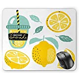 Zitronen-Mausunterlage, selbst gemachte Limonade in der Schale mit Rohr-Zitrusfrucht mit Blätter...