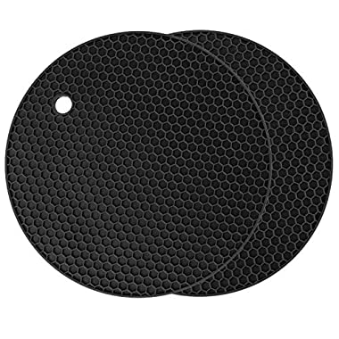 Silicone Pot Holder Set of 2, Circular Silicone Hot Pads, Dishwasher Safe, Heat Resistant Placemat (Black / 2 Pack)