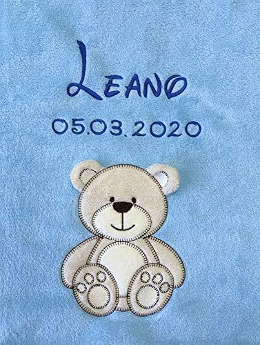 Babydecke bestickt mit Name und Geburtsdatum/kuschelig weich / 1A Qualität nach Ökotex 100 Standard - farbecht (Hellblau - BÄR)