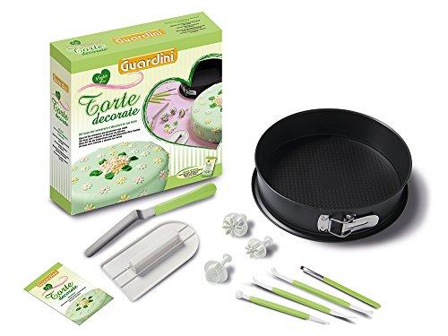 Guardini Coffret cadeau «Voglia di Torte decorate» 1 moule démontable 26 cm +1 lisseur à gâteaux +1 spatule +3 ustensiles +1 pinceau +3 emporte-pièces à piston +1 livre de recettes, Moule acier, noir