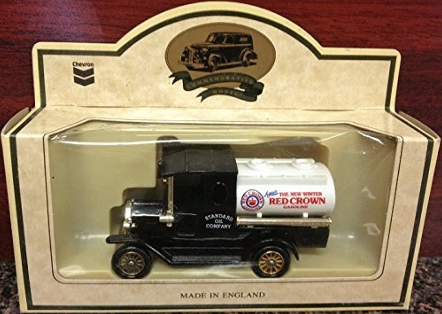 Lledo Models of days Gone standard Oil Company rot crown Gasoline by Lledo