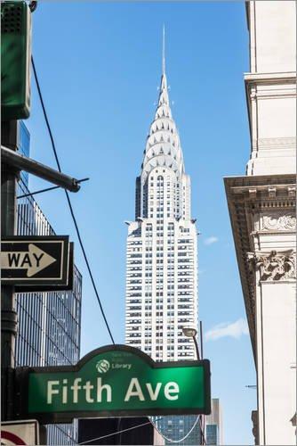 Posterlounge Acrylglasbild 40 x 60 cm: Crysler Gebäude und Fifth Avenue Zeichen, New York City, USA von Matteo Colombo - Wandbild, Acryl Glasbild, Druck auf Acryl Glas Bild