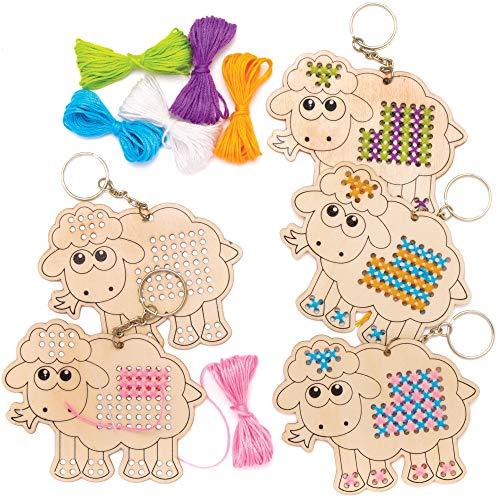 Baker Ross AT468 Schaf Kreuzstich Schlüsselanhänger Bastelset - 5er Pack, Holz Basteln für Kinder, Nähen und Kreuzstich für Kinder