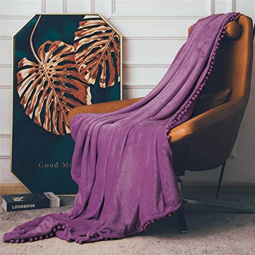 Fleecedecke mit Pom-Poms, kuschelweiche Flauschige Fleece Decke für Couch, Sofa, Bett, verdickte warme Flauschige Decke, Plüsch-Flanellschläfchendecke,130 x 150cm,Lila