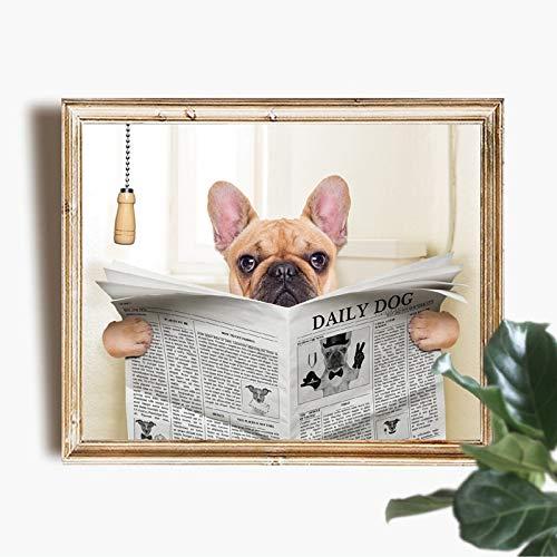 Perro bulldog francés sentado en el inodoro y leyendo el póster de arte en lienzo de la revista imprimir pintura artística interesante baño imagen decoración de la pared pintura sin marco 50x69cm