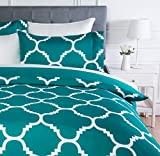 Amazon Basics - Set copripiumino in microfibra, 260 x 220 cm, Tè blu (Teal Trellis)