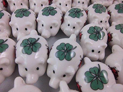 Timtina® 60 Stück Porzellan Glücksschweinchen Glücksbringer mit aufgedrucktem Glücksklee und Glückskäfer, Silvester Deko