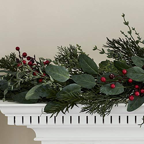 Lights4fun Weihnachts Girlande Tannenzweige und Beeren 175cm