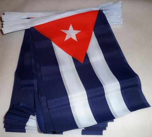AZ FLAG Guirlande 6 mètres 20 Drapeaux Cuba 21x15 cm - Drapeau cubain 15 x 21 cm