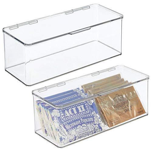 mDesign Juego de 2 cajas de plástico con tapa – Caja de almacenaje para estantes de cocina o despensa – Organizador de nevera apilable para aperitivos, pasta, fruta, etc. – transparente