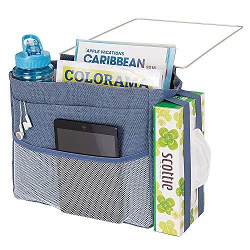 mDesign Bedside opslag Caddy - Ruime nachtkastje Organizer gemaakt van metaal en katoen met 3 zakken - Praktische ophanging voor waterfles, afstandsbediening, tablet en meer - Denim Blue