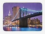 ABAKUHAUS Escena de NYC Tapete para Baño, Puente hacia Manhattan, Decorativo de Felpa Estampada con Dorso Antideslizante, 45 cm x 75 cm, Azul Violeta Multicolor