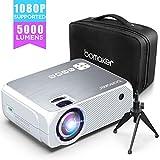 Proyector BOMAKER 5000 Lúmenes Soporta 1080p Full HD, Mini Proyector Portátil Cine en Casa 720p Nativo, con Trípode & Bolsa de Transporte, HDMI/ VGA/ AV/ USB/ SD GC555 [2020 Actualizado]