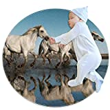Caballo Blanco En El Agua Alfombra Redonda Estera Antideslizante De Poliéster Suave para Sala De Estar Dormitorio Habitación para Niños Sala De Juegos Alfombra para Mascotas 100x100cm