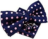 Pajarita clásica, de lunares, pre-anudada, 12 cm, con pañuelo cuadrado de bolsillo y gemelos - Set de regalo rosa Navy Blue with Pink Dots Talla única