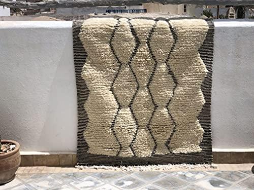 Azilal Berberteppich 105 x 150 cm handgewebt Teppich aus hochwertiger Schurwolle (0010)