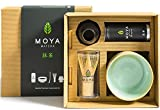 Organischer Moya Matcha Tee Set Pulver Grün | BIO 30 g Premium Klasse (I) | Verpackung + Matcha-Schale + Bambusbesen + Besenhalter+ Bambuslöffel | Set zur Matcha-Zubereitung | Geschenkset