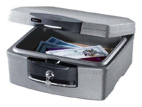 Sentry Safe de una caja fuerte para documentos H2100