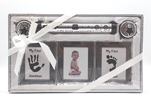 Babyset inclusief fotolijst, 2 blikjes voor melktanden en haar, buis voor verjaardagskonde en frame voor hand en voetafdruk 22 x 37 cm Engelse versie