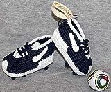 Fußball-Schuhe. Babyschuhe häkeln, Unisex. aus 100% Baumwolle, 4 Größen 0-12 Monate. handgefertigt in Spanien. Turnschuh gehäkelt gestrickt. Wählen Sie die Farben Ihres Lieblingsteams.