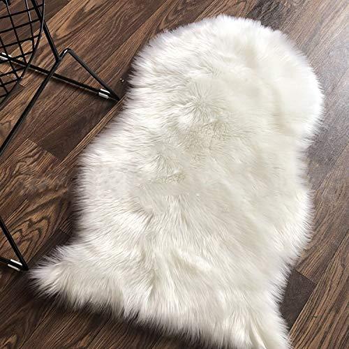 Cumay Faux Lammfell Schaffell Teppich 60 x 90 cm Lammfellimitat Teppich Longhair Fell Optik Nachahmung Wolle Bettvorleger Sofa Matte (Weiß)