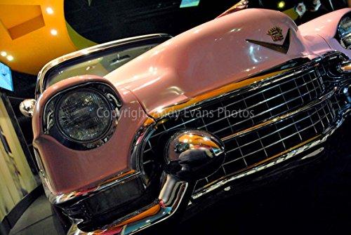 eine Fotografische Print Foto von The 1955 Cadillac Fleetwood Besitz von Elvis Presley im Graceland Ausstellung O2 London England Landschaft Foto Farbe Bild Art Print oder Poster 45,7x30,5 cm