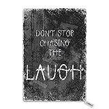 Eliuji Letrero de metal con texto en inglés 'Don't Stop Chasing The Laugh 'Don't Stop Chasing The Laugh', para bar, cafetería, garaje, casa, patio al aire libre, 20,3 x 30,4 cm