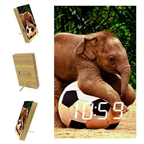Indimization LED-Uhr Elefant, der Fußball spielt digitaler Wecker Digitale Uhr für Kinder Senior Ultra-Clear Screen Holz Snooze Wecker für Schlafzimmer Büro 6.2x3.8x0.9 in