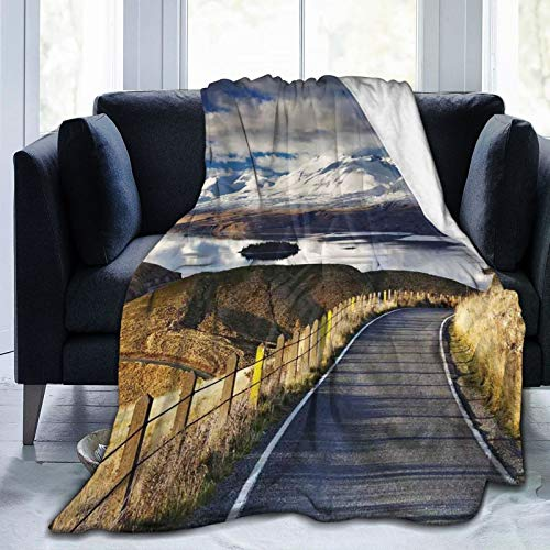 Manta mullida, Pike Road que va al río y montaña nevada degradada de color cielo paisaje, ultra suave, manta para dormitorio, cama de TV, manta para cama de 127 x 101 cm