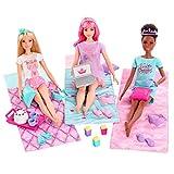Barbie GJB68 - Barbie Prinzessinnen-Abenteuer Spielset mit 3 Barbie-Puppen und Pyjama-Party-Zubehör
