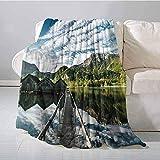 Manta de montaña al Aire Libre Cubierta de Larga exposición en hábitat idílico Río de montaña con Nubes en Manta de Wild Valley Azul Verde